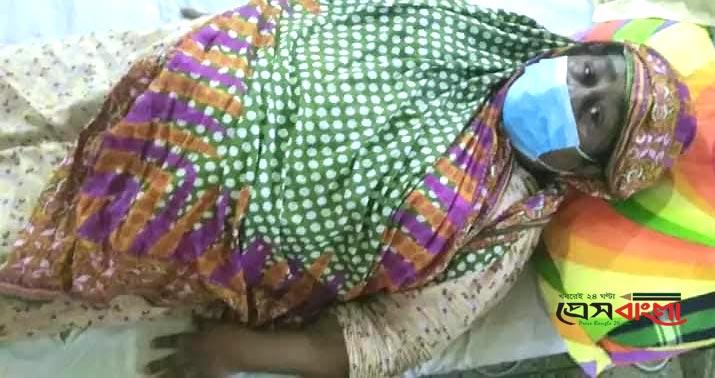 বাঁচতে চান সিদ্ধিরগঞ্জের আলেয়া বেগম, সুস্থ হতে প্রয়োজন ২ লাখ টাকা
